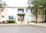 Foreclosed Home in Southfield 48033 25535 LAHSER RD APT 1 - Property ID: 6316851