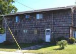 Foreclosed Home in Freeport 11520 5 BRANCH AVE - Property ID: 6317043