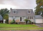 Foreclosed Home in Westbury 11590 2548 HYACINTH ST - Property ID: 6317253