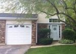 Foreclosed Home in Streamwood 60107 153 WINCHESTER DR UNIT B - Property ID: 6318193
