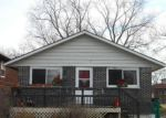 Foreclosed Home in Round Lake 60073 1617 N HICKORY AVE - Property ID: 6318657