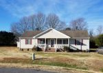 Foreclosed Home in Petersburg 23803 21326 DEODORA CT - Property ID: 6319090