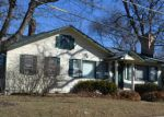 Foreclosed Home in Crystal Lake 60014 175 LAKESHORE DR - Property ID: 6319852