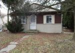 Foreclosed Home in Clinton Township 48035 20408 NICKE ST - Property ID: 6320585