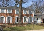 Foreclosed Home in Wheaton 60189 1310 PIN OAK CT - Property ID: 6321641
