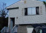 Foreclosed Home in Babylon 11702 11 ANNUSKEMUNNICA RD - Property ID: 2537027