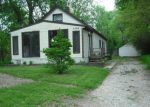 Foreclosed Home in Cedar Rapids 52402 2044 SYLVIA AVE NE - Property ID: 2705117