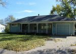 Foreclosed Home in Cedar Rapids 52405 2435 1ST AVE SW - Property ID: 3110147