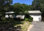 Foreclosed Home in Riverhead 11901 64 ELLEN ST - Property ID: 3675925