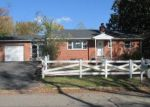 Foreclosed Home in Clinton 20735 7706 DON DR - Property ID: 3739747