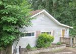 Foreclosed Home in Oak Ridge 37830 679 W OUTER DR - Property ID: 3859974