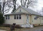 Foreclosed Home in Upper Chichester 19061 1315 PEACH ST - Property ID: 3913939