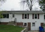 Foreclosed Home in West Warwick 2893 102 COCHRAN ST - Property ID: 3958098