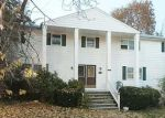 Foreclosed Home in North Providence 2911 70 LINWOOD AVE - Property ID: 3968429
