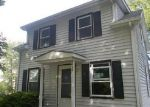 Foreclosed Home in Clinton 52732 2011 N 6TH ST - Property ID: 3978735