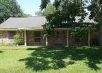 Foreclosed Home in Dickinson 77539 5202 LONGSHADOW DR - Property ID: 3980281