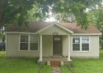 Foreclosed Home in Elgin 78621 113 W ILA ST - Property ID: 3993516