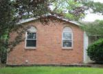 Foreclosed Home in Fenton 63026 1308 TRAILS DR - Property ID: 4001324