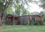 Foreclosed Home in Carterville 62918 13318 N GREENBRIAR RD - Property ID: 4001648