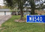Foreclosed Home in Kewaskum 53040 W8540 HICKORY HOLLOW RD - Property ID: 4007588