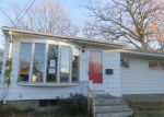 Foreclosed Home in Warwick 2889 522 W SHORE RD - Property ID: 4012253