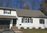Foreclosed Home in Clifton 7012 143 BEVERLY HILL RD - Property ID: 4054829