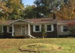 Foreclosed Home in Mount Vernon 62864 2900 APPLE AVE - Property ID: 4064851