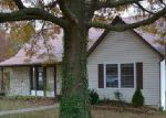 Foreclosed Home in Jefferson City 65109 3201 COUNTRY CLUB DR - Property ID: 4081404
