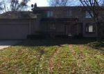 Foreclosed Home in Farmington 48331 37457 CHESTERFIELD CT - Property ID: 4081451