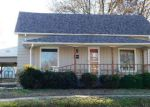Foreclosed Home in Herrin 62948 904 W MONROE ST - Property ID: 4081859