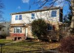 Foreclosed Home in Westbury 11590 41 DIVISION ST - Property ID: 4092341
