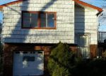 Foreclosed Home in Shirley 11967 147 PARKWOOD DR - Property ID: 4093015