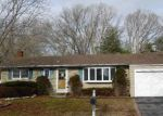 Foreclosed Home in Holbrook 11741 19 PATRICIAN ST - Property ID: 4093068