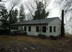 Foreclosed Home in Angola 14006 9744 LAKE SHORE RD - Property ID: 4098140