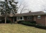 Foreclosed Home in Glen Ellyn 60137 22W361 AHLSTRAND RD - Property ID: 4110541