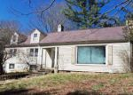 Foreclosed Home in Bluefield 24701 1105 S GROVELAND DR - Property ID: 4113487