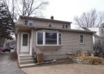 Foreclosed Home in Mundelein 60060 227 N GARFIELD AVE - Property ID: 4115075