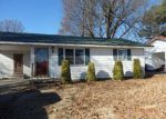 Foreclosed Home in Walnut Ridge 72476 706 BARBARA DR - Property ID: 4115567