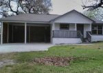 Foreclosed Home in Goliad 77963 605 N CHURCH ST - Property ID: 4120889