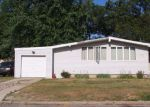 Foreclosed Home in Ronkonkoma 11779 217 MAPLECREST DR - Property ID: 4121025