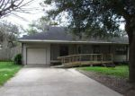 Foreclosed Home in Lake Jackson 77566 210 CAMELLIA ST - Property ID: 4123808