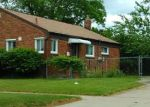 Foreclosed Home in Livonia 48150 11281 KAREN ST - Property ID: 4123927