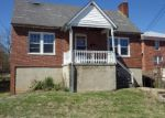 Foreclosed Home in Staunton 24401 806 HALL ST - Property ID: 4125182