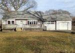 Foreclosed Home in Selden 11784 79 N EVERGREEN DR - Property ID: 4126084