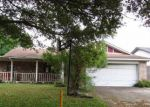 Foreclosed Home in Angleton 77515 909 MOLINA DR - Property ID: 4126469