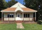 Foreclosed Home in Shirley 11967 41 HESTON RD - Property ID: 4129503