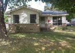 Foreclosed Home in Seagoville 75159 401 E SIMONDS RD - Property ID: 4131551