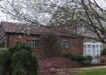 Foreclosed Home in Huntington Station 11746 4 GLEN HILL CT - Property ID: 4137899