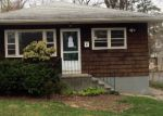 Foreclosed Home in Fairfield 6825 44 CRANE ST - Property ID: 4138354