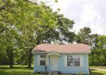 Foreclosed Home in Groves 77619 6211 25TH ST - Property ID: 4138721